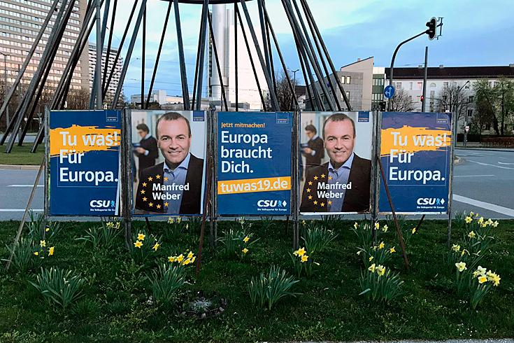 Kandidatenplakat 5-er Reihe, Phase 1 für den Spitzenkandidaten der CSU, Manfred Weber für die Europawahl 2019. Gesehen in München, Effnerplatz.